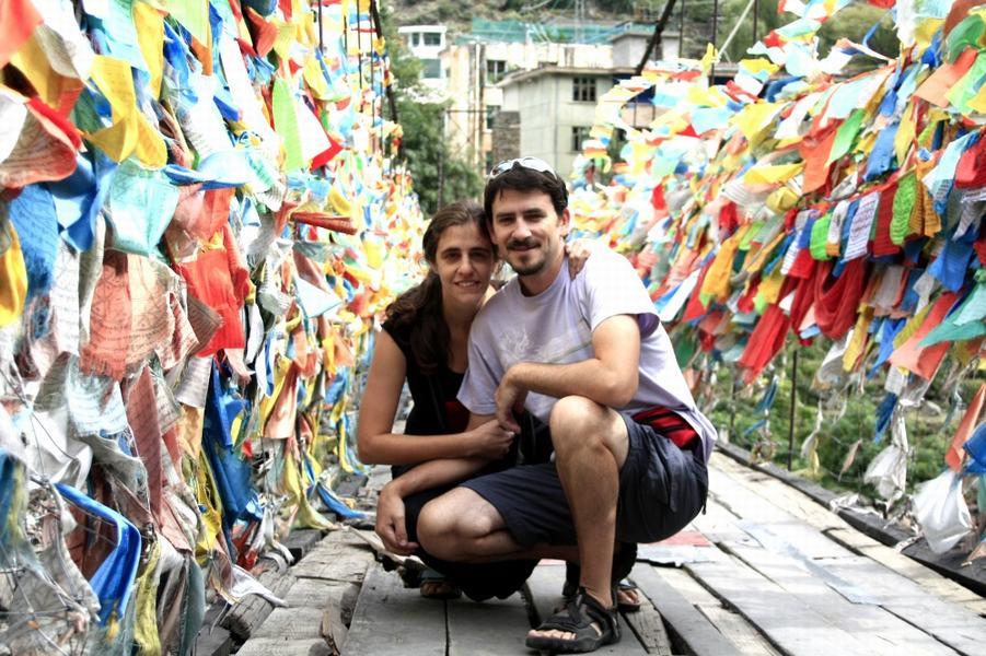 Aldana y Dino_Magia en el camino