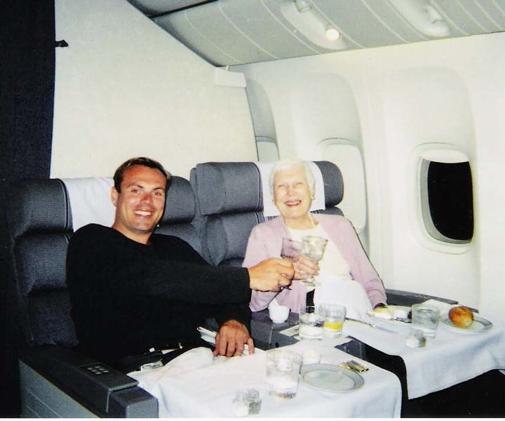Johnny Jet and his mom on plane to Frankfurt
