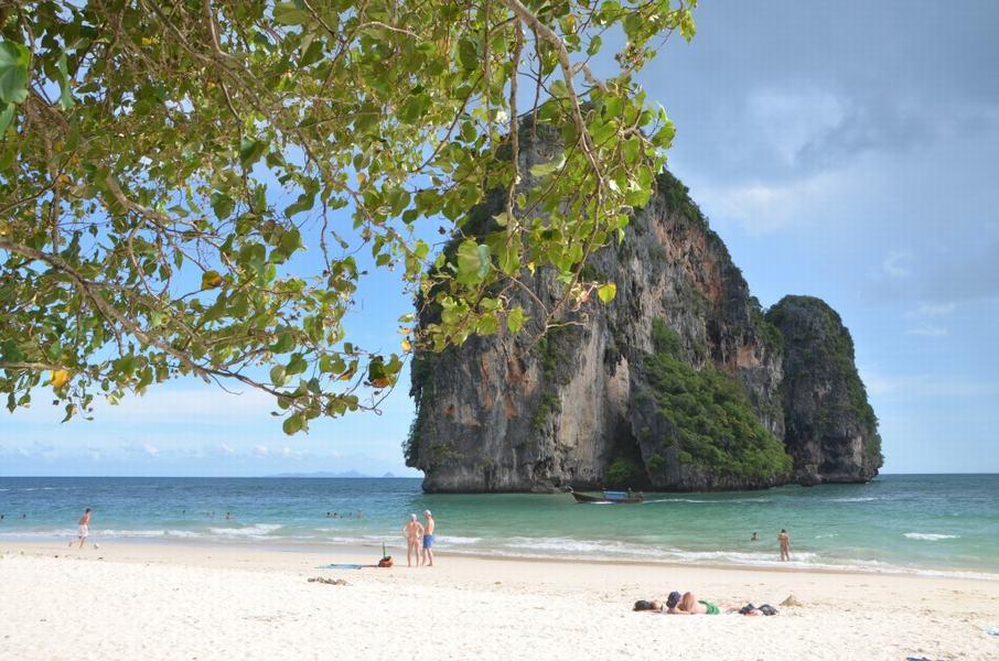Pranang Cave Beach 4