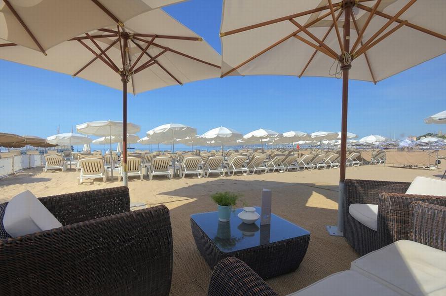 ®CBeach-private-beach-cannes-sunbeds