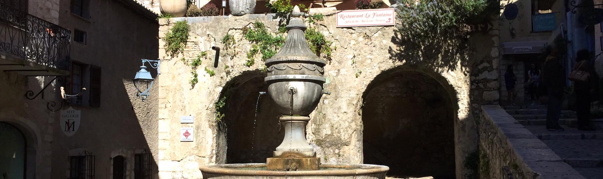 Place la Grande Fontaine, Saint Paul