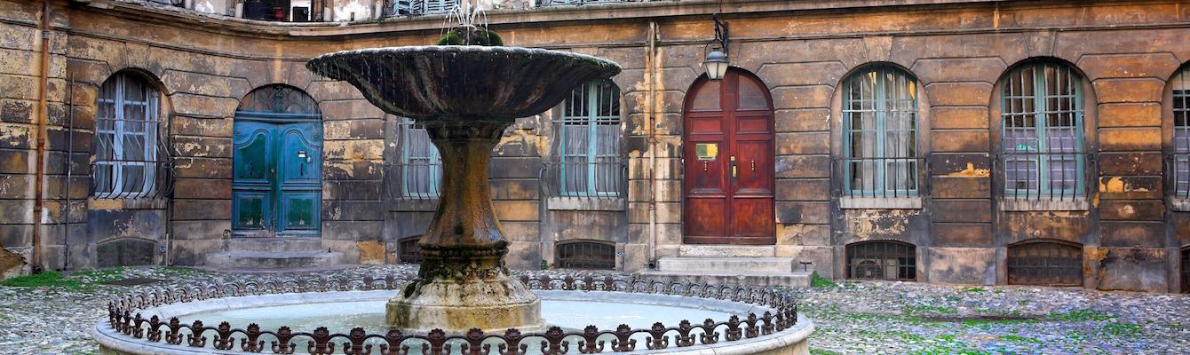 Place d'Albertas Aix en Provence