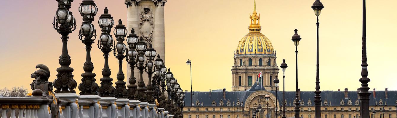 Puente de Alejandro III Paris